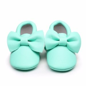 Other - NEW Aqua Soft Sole Bow Baby  Moccs Moccasins Shoes